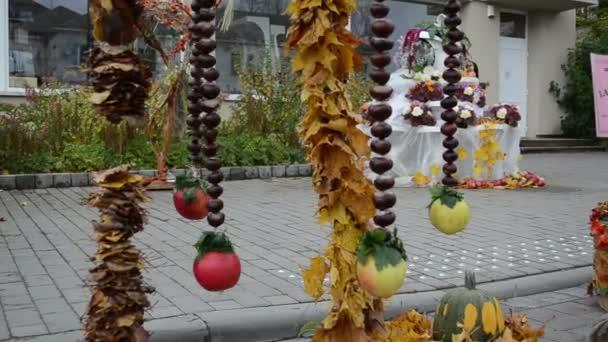 podzimní výzdoba kaštan list