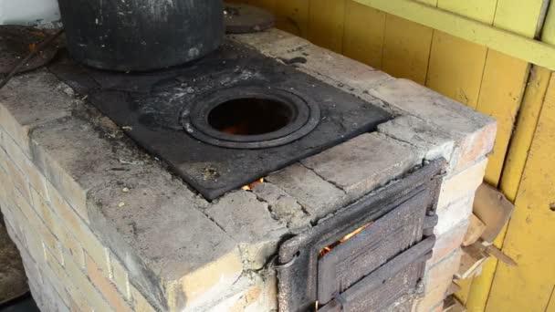 dřevo hoří oheň, kamna
