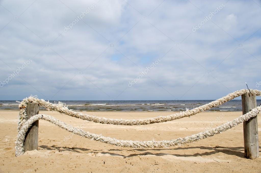 Seil Protokoll Zaun Strand Sand Stockfoto C Sauletas 19437441