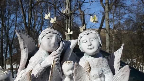 dohodnuti nádobí hliněné anděly prodal spravedlivé tržní ptáky