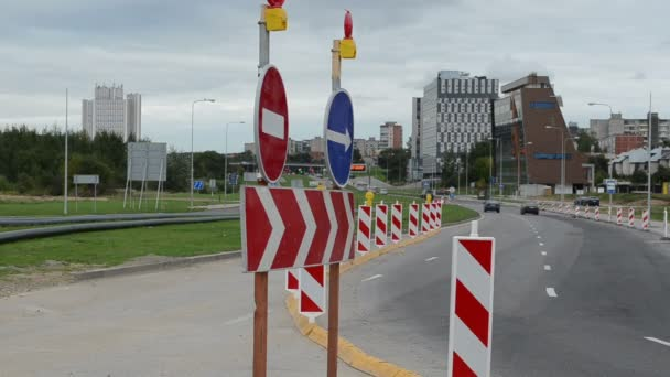 direction road signs end roundabout road construction cars go