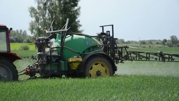 Farm tractor atomizer