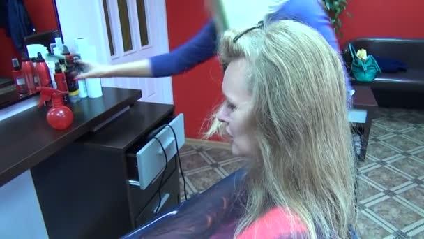Hair moisten barber