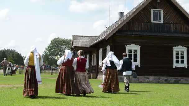 Národní oděv vesnice
