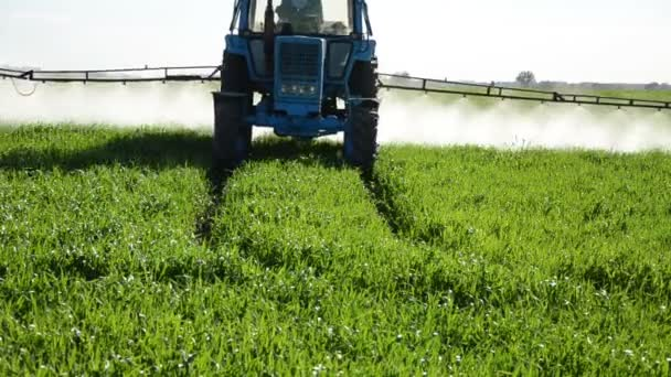 Tractor fertilize