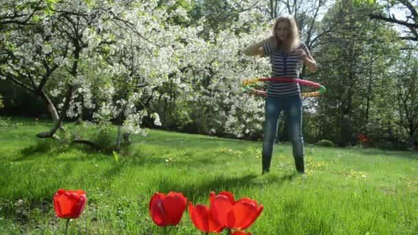 nő spin hoop derék