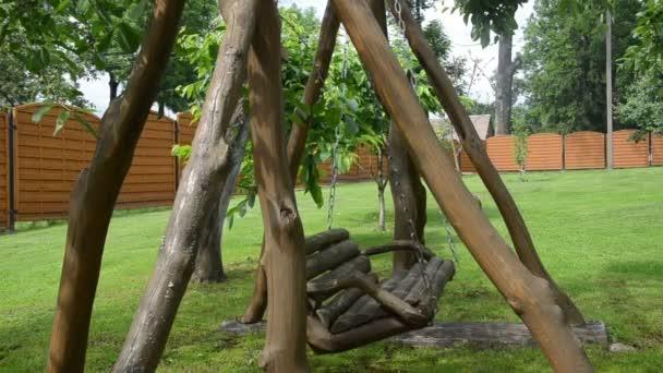 Empty wooden swing chain