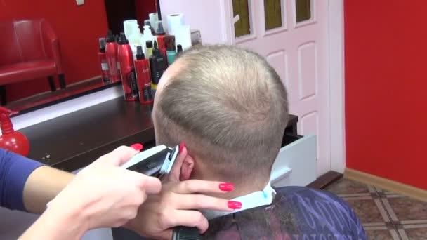 Client hair cut trimmer