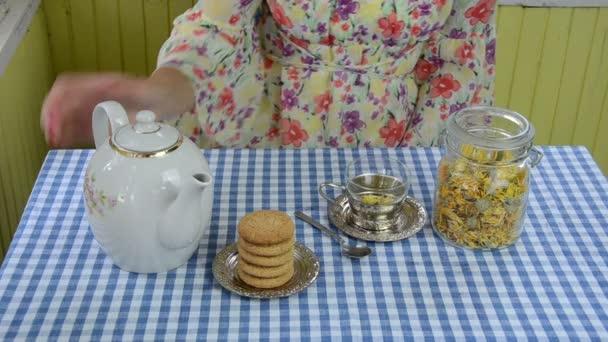 kézi körömvirág tea