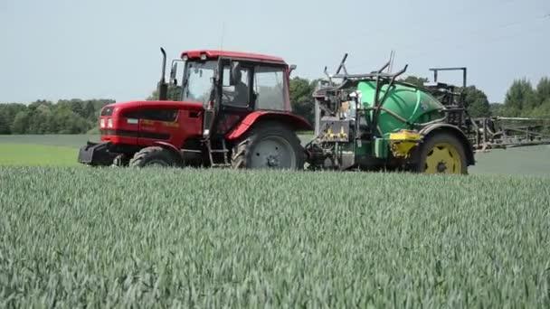 Tractor fertilizer