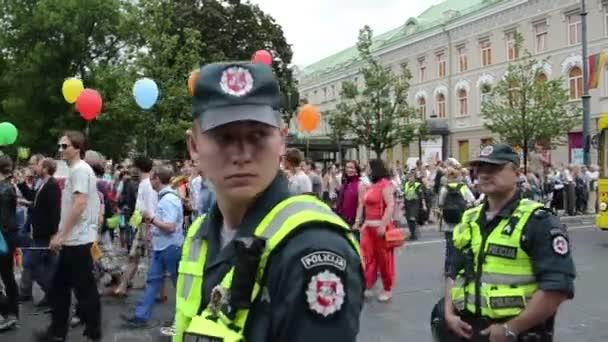 rendőrség a melegfelvonulás biztonsági