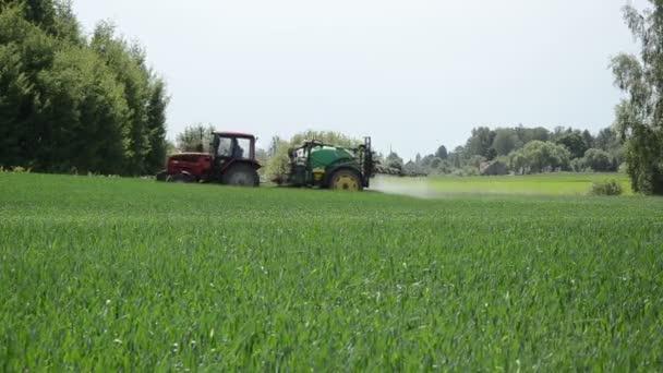 Season work fertilizing