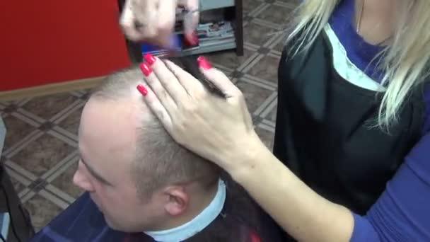 Man hair cut scissors