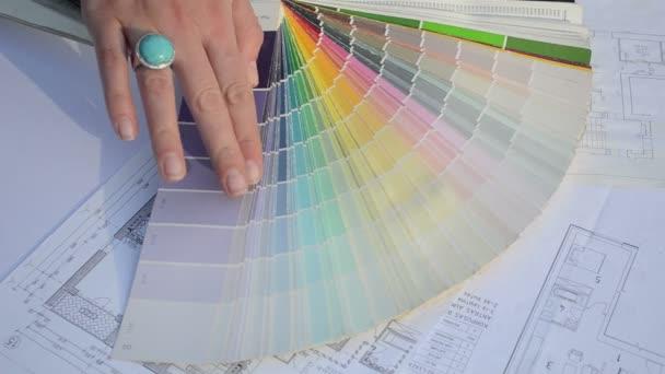 Frau wählen Farbpalette