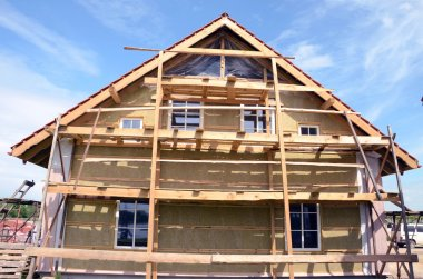 House thermal insulation with mineral rockwool