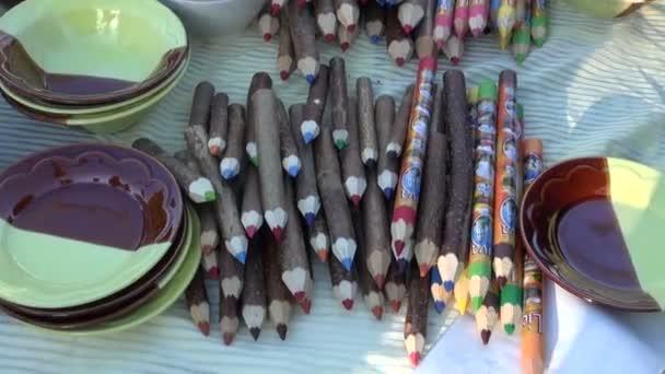 dekorativní dřevěné tužky v létě trhu