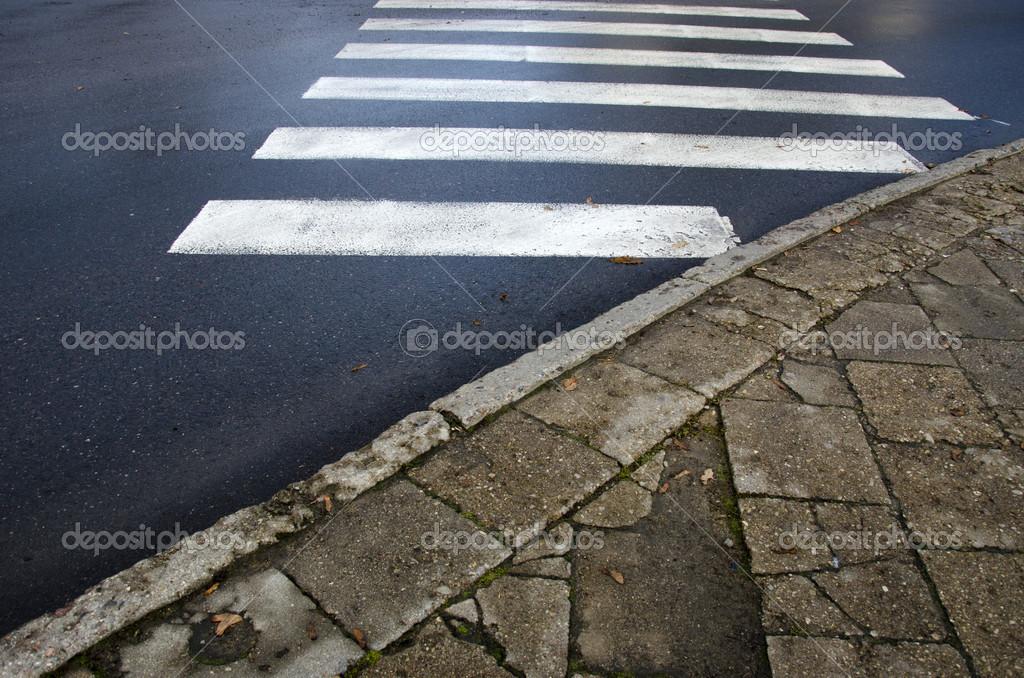 V t asfalt och gamla betong trottoaren tegel stockfotografi alisbalb2 35851043 - Saint maclou tegelcement ...