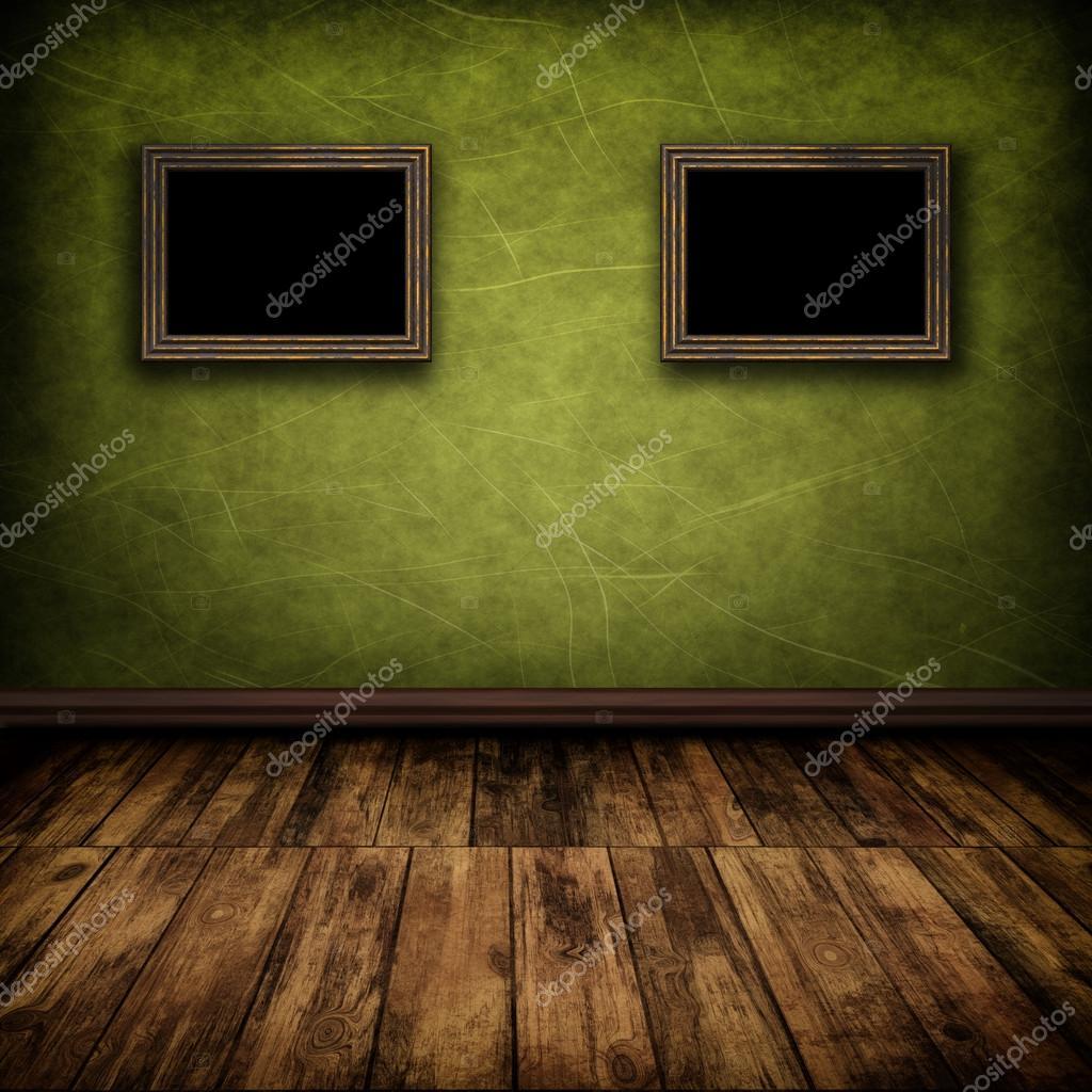 Dunkle Zimmer Mit Holzboden Und Alte Bilder An Der Wand (Vintage) U2014 Foto  Von Attila445