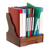 Büro-Dokumentenmappen stehen in einer Zeile