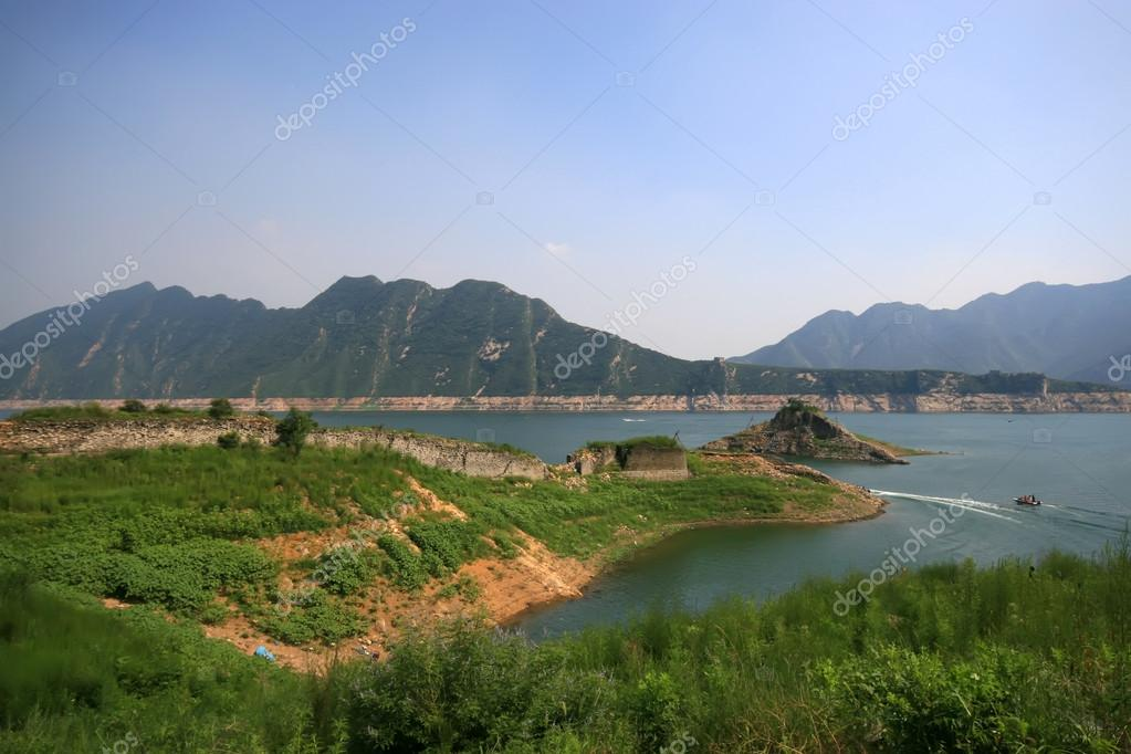Acqua di paesaggi naturali foto stock lnzyx 21160519 for Foto paesaggi naturali gratis