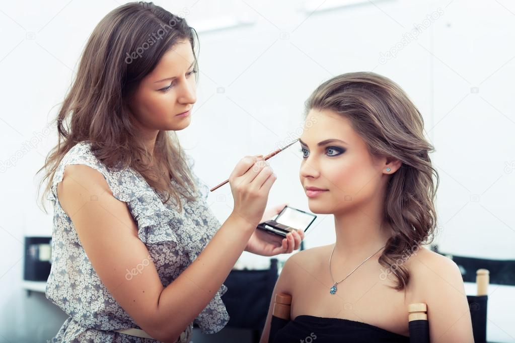 experts including makeup artists - HD 1240×775