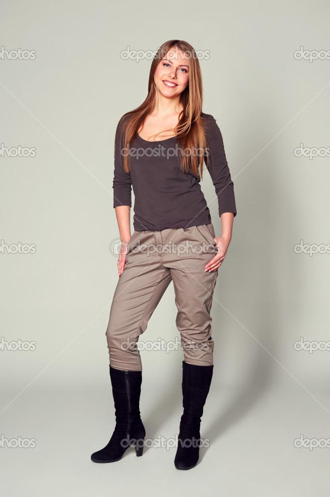 Блондинка женщина в сапогах фото 190-923