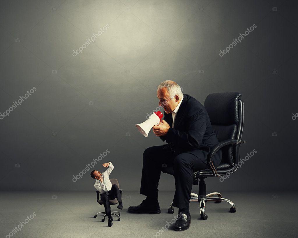 big boss screaming at small worker