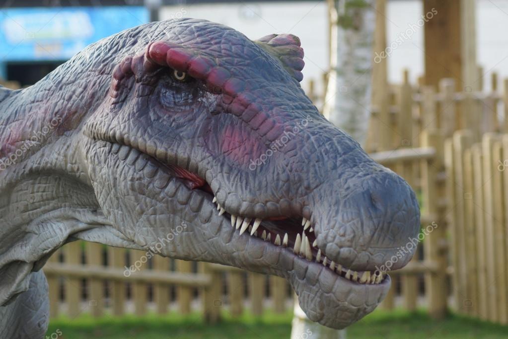 Spinosaurus - Spinosaurus aegyptiacus