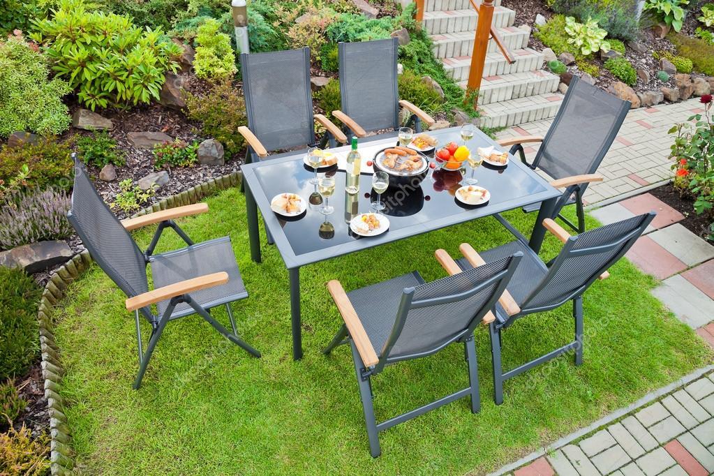 metal muebles de jardín — Fotos de Stock © kropic #36922203