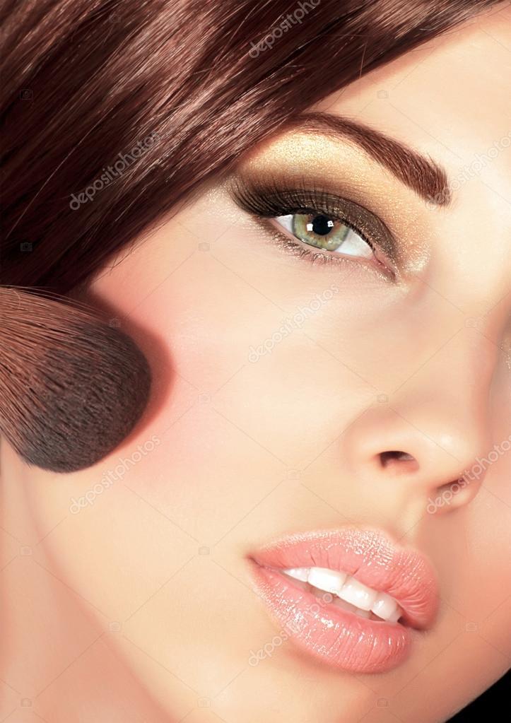 Красивый макияж для шатенок
