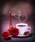 ranní nápoj v Paříži