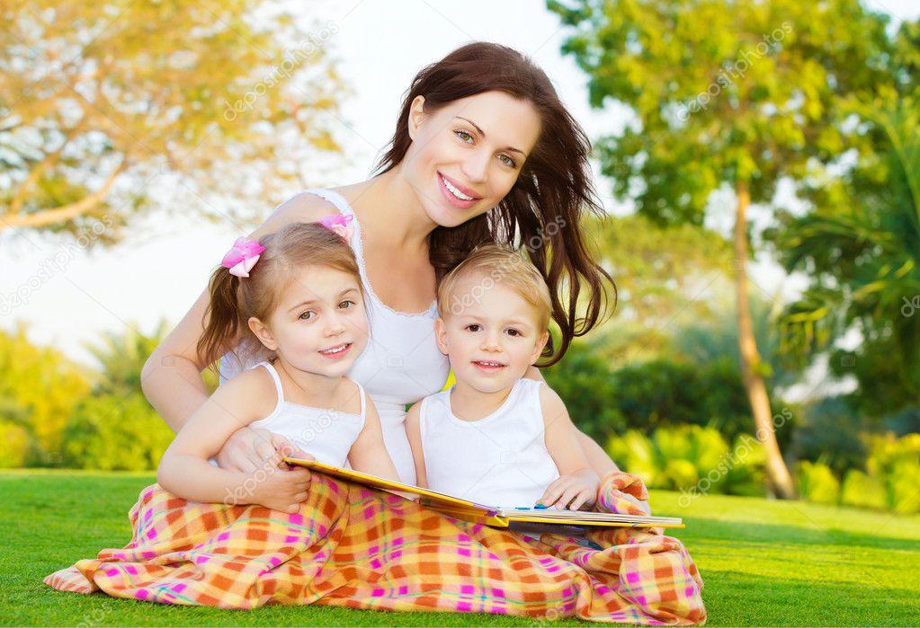 фотосет мамы с 2 детьми Популярные модели