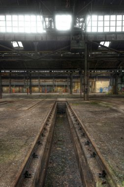 Old rails in a deserted hall, Lost Place