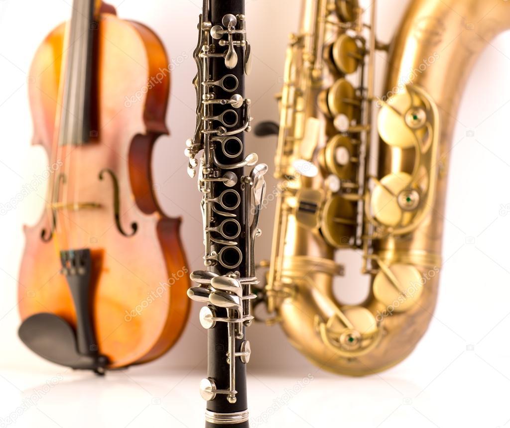 Мелодия на саксофоне скачать