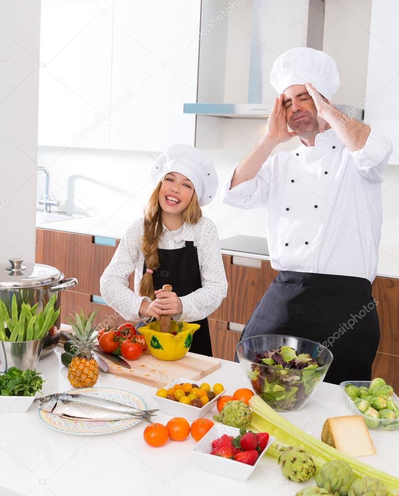 Chica chico master y junior chef gracioso loco escuela de - Escuela de cocina ...