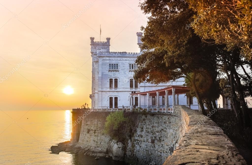 Miramare castello, trieste, Italia, Europa — Foto Stock ...
