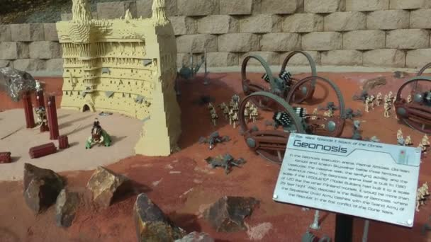 Carlsbad usa, cca 2014: geonosis starwars navržen s lego na Karlovy Vary, usa na cca 2014. scény ze star wars epizoda ii: Klony útočí