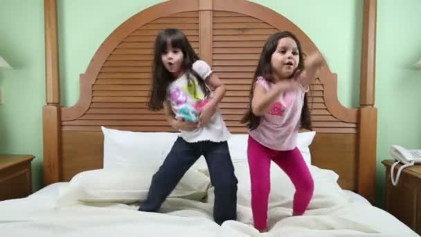 táncos az ágyban.