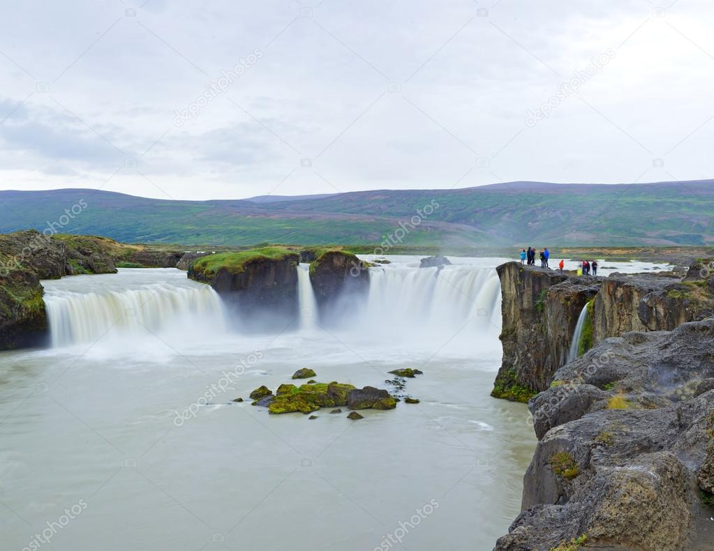 Фотообои godafoss waterfall