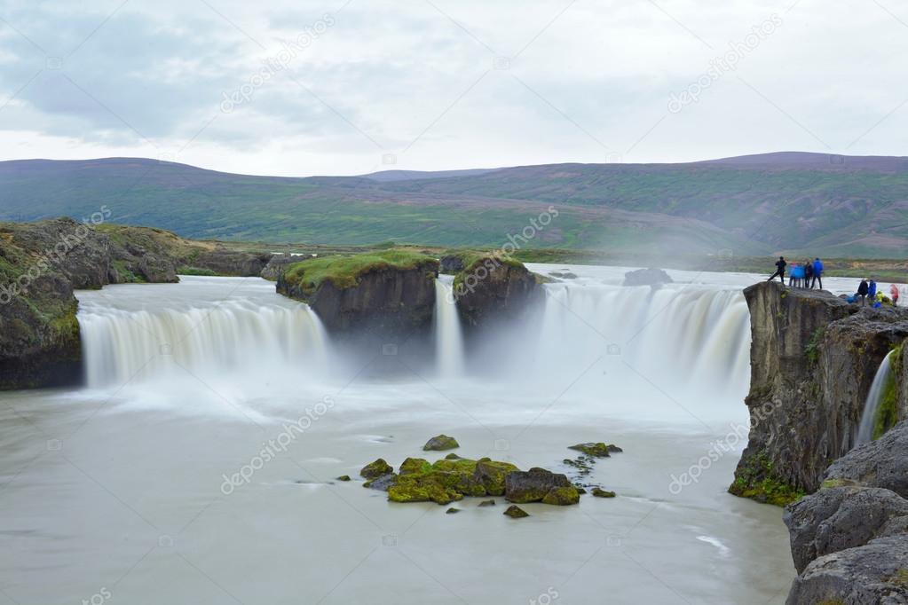 Фотообои godafoss waterfall