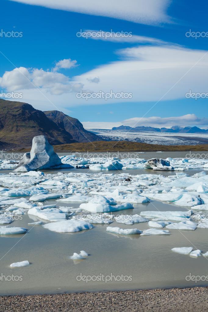 Laguna del ghiacciaio in islanda orientale foto stock - Immagini del cardellino orientale ...
