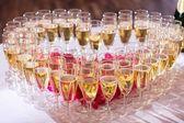 Fényképek Pohár pezsgő, ünnepi asztal