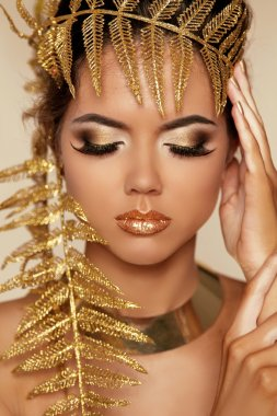 Eye Make up. Beautiful Make-up Closeup. Eyeshadow. Professional