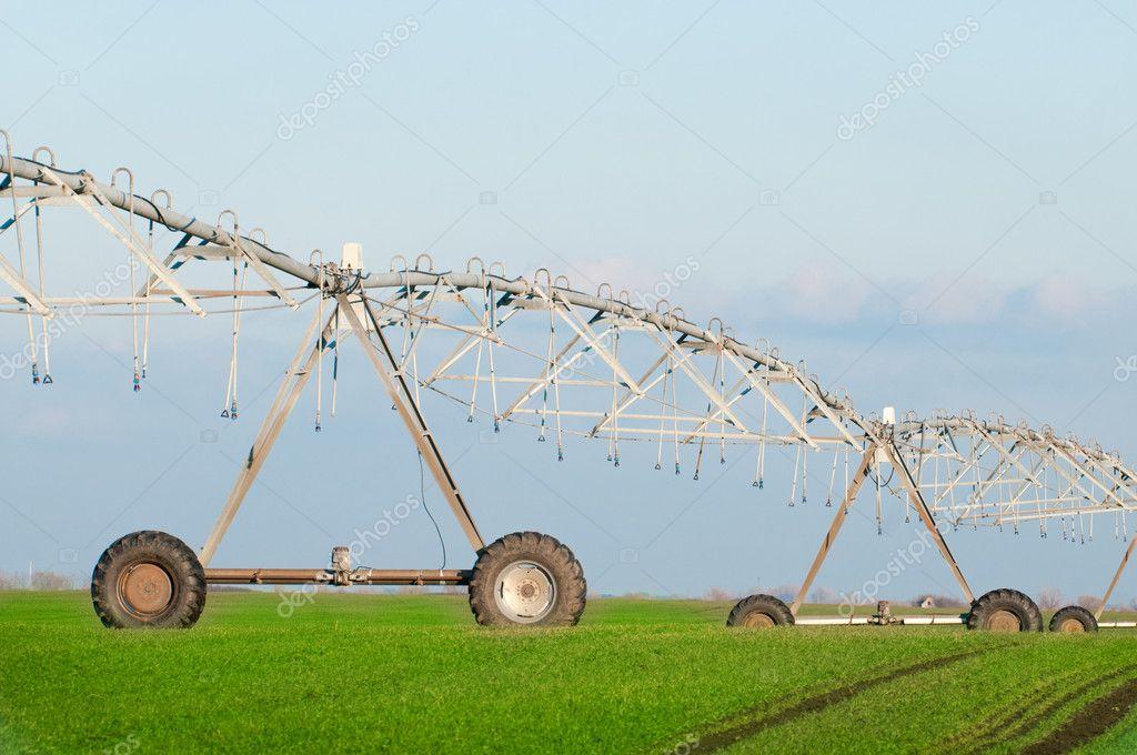 Sistema di irrigazione pivot center foto stock for Sistema irrigazione