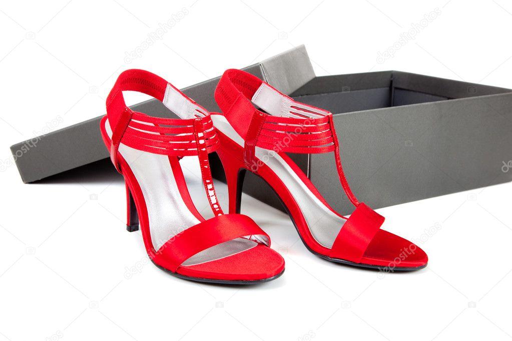 Een Achtergrond — Witte Schoenen Stockfoto SexyRode Kleding Op vmwP8n0yNO