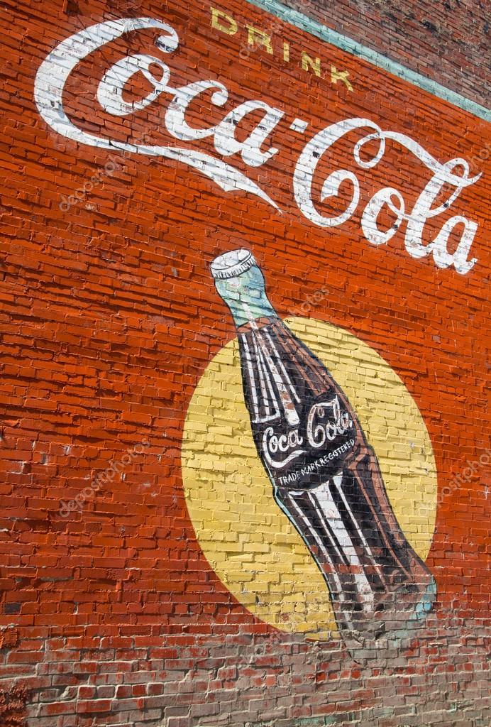 Vintage Coca Cola Duvar Resmi Stok Editoryel Fotoğraf Miflippo