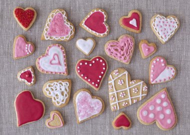 Red and pink heart cookies