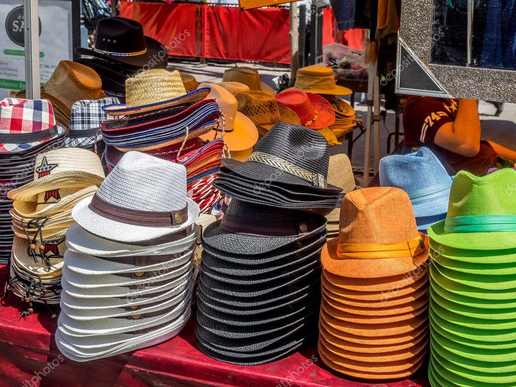 5af7fa1dbed kovbojské klobouky na prodej — Stock Fotografie © jewhyte  49545887