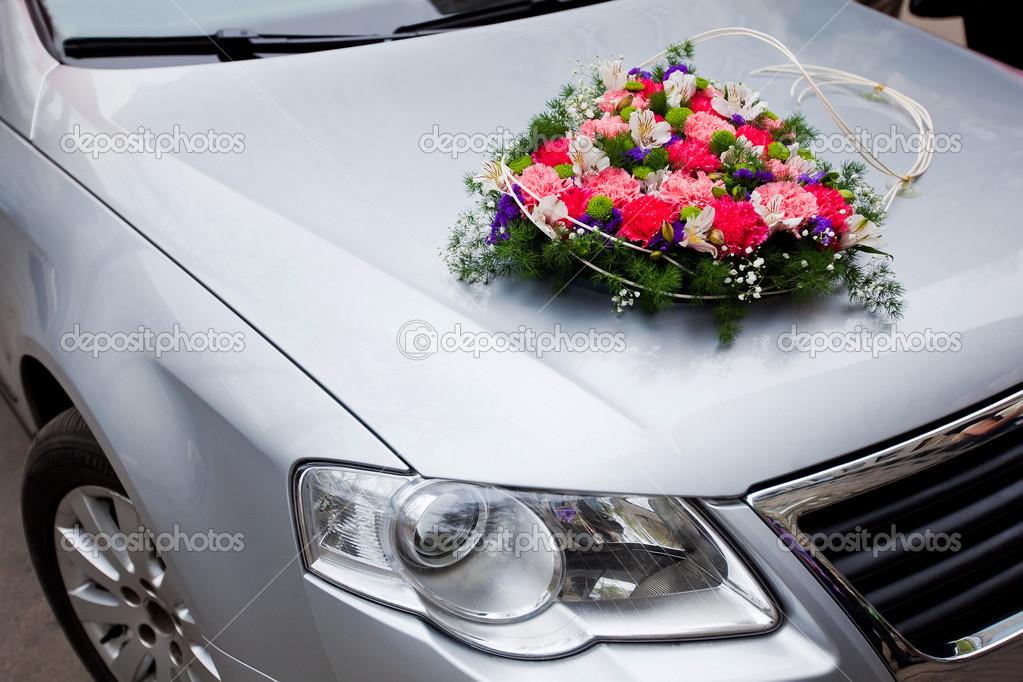 dekorera bil bröllop