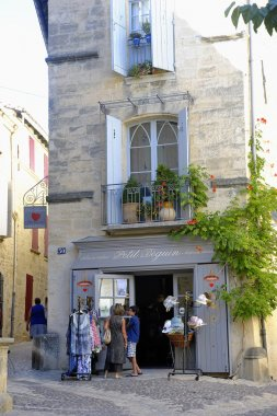 shop of the town of Uzes